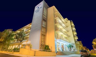 EL HOTEL - Fachada