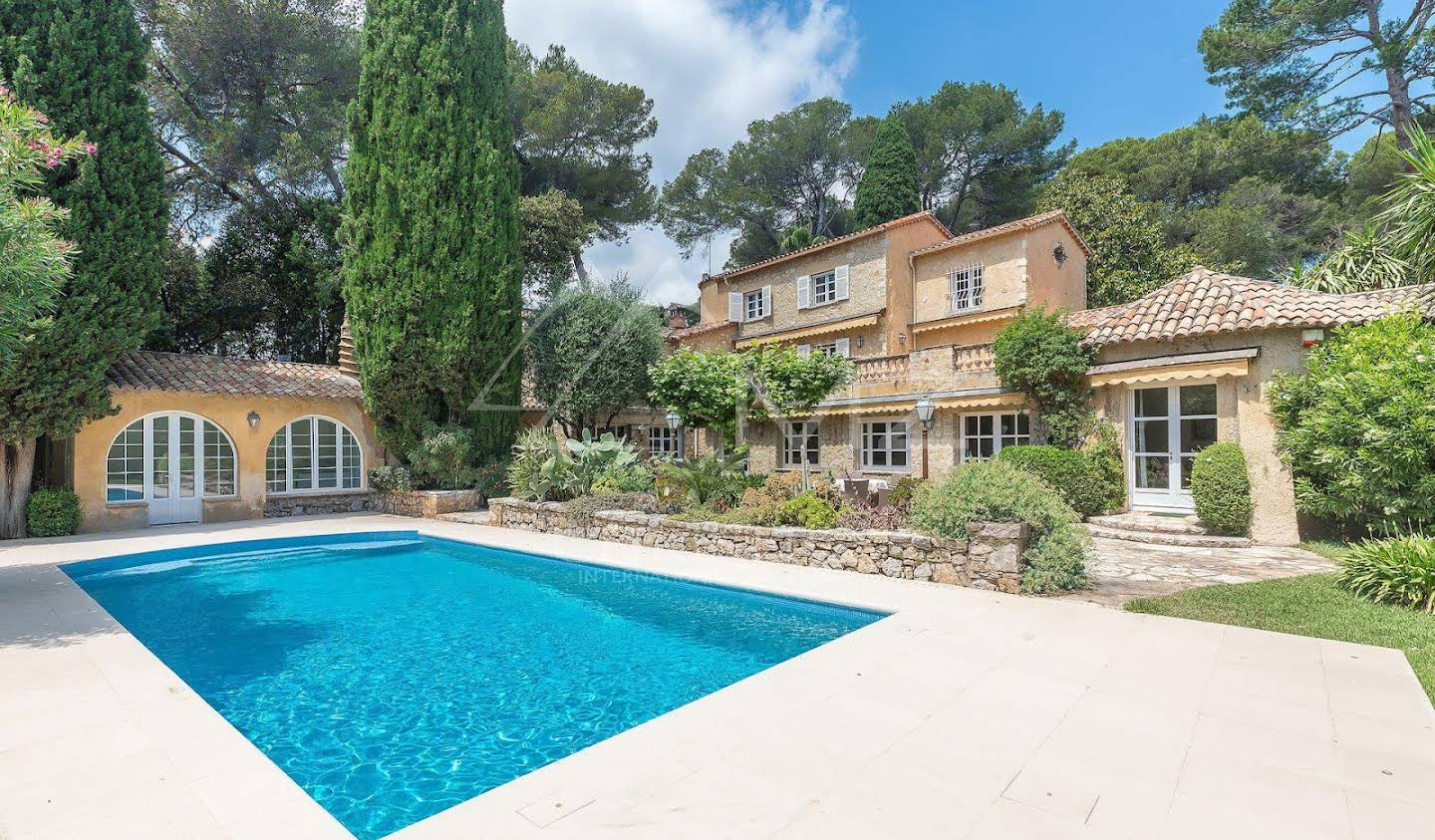 Villa with pool and terrace Antibes