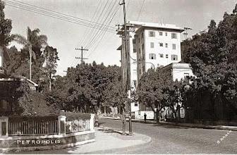 Photo: Rua João Pessoa, antiga Rua Cruzeiro, esquina com Praça da Liberdade. Foto sem data