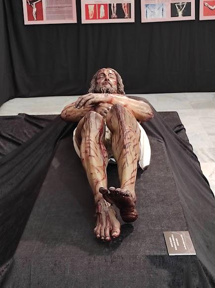 Reproducción del cuerpo de Cristo, obra de Miñarro.