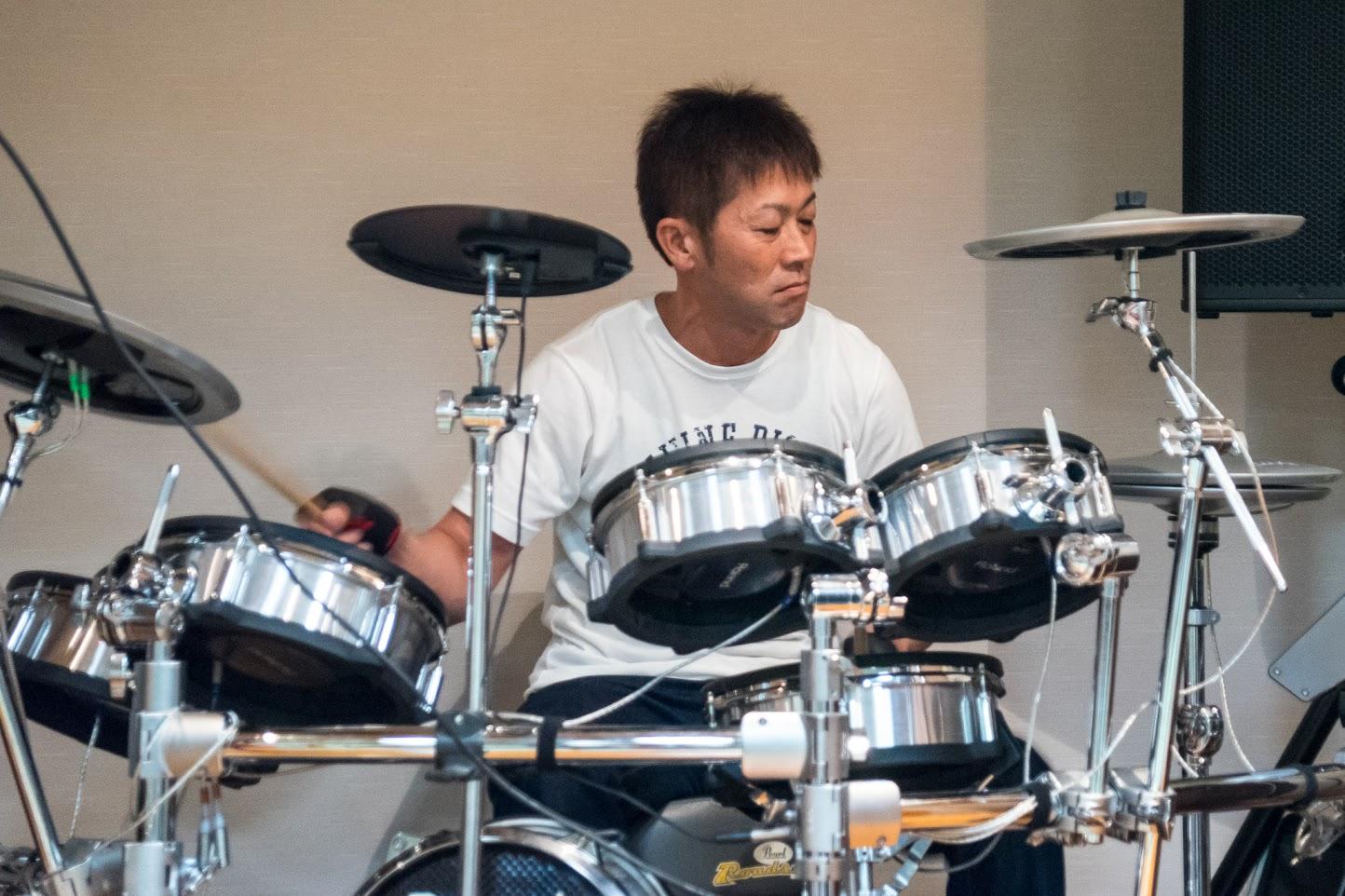 ハートビートの演奏・ドラム:岩倉祥隆さん