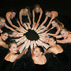 Pointe Circle  by Terri Mills - People Musicians & Entertainers ( girls, dancers, beautiful, beauty, ballet, dance, pointe,  )