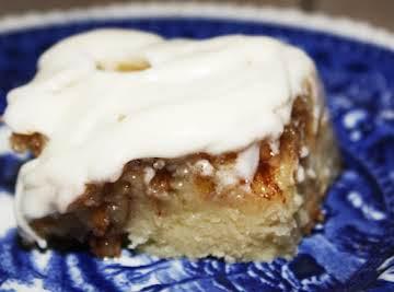 Cinnamon Roll cake with cream cheese glaze