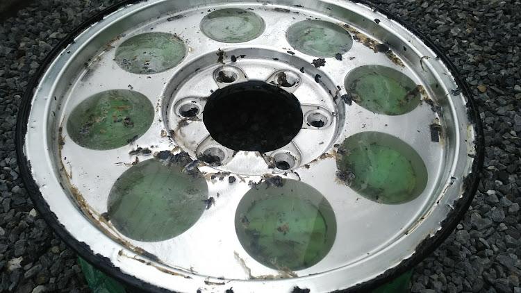 ハイエース TRH112Vのハイエース100系,タイサン,ホイール,塗装剥離,スケルトンに関するカスタム&メンテナンスの投稿画像5枚目
