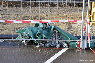 Photo: Krötenzaun für auf einer solchen Baustelle nicht mehr lebende Tiere ?????