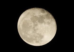 Photo: 今宵の月、十六夜の月