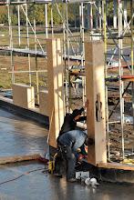 Photo: 06-11-2012 © ervanofoto Hier verrijst de hoofdingang.