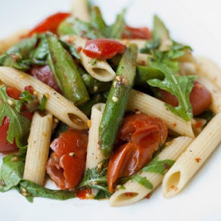 Penne with Tomatoes, Asparagus and Rocket