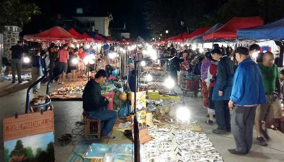 Chợ đêm Luang Prabang .