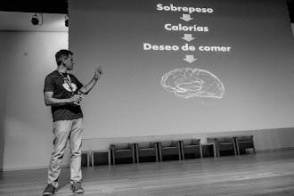 Photo: Luis @centinel5051 explica la curiosa teoría según la cual la gente con sobrepeso siente deseos de comerle el cerebro a los demás.
