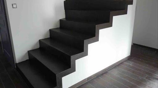 prix d'un escalier intérieur en béton ciré