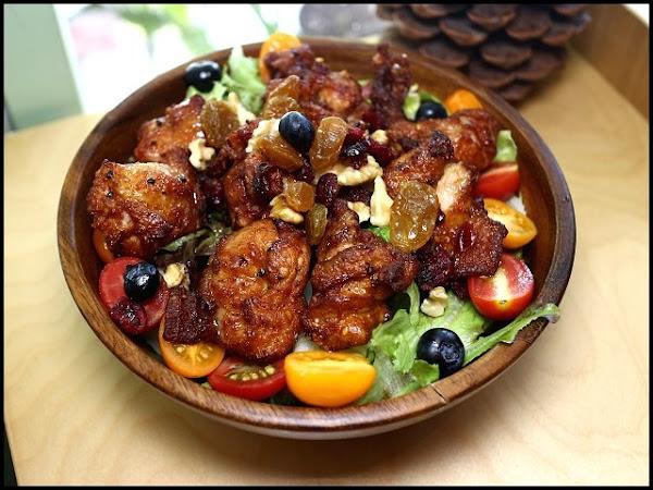 松果院子~無農藥殘留生菜沙拉,無抗生素雞蛋,手工寬麵條,原鴨有機米燉飯,自家烘焙點心!民生社區早午餐