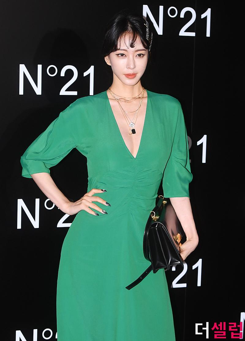 han ye seul green dress 9