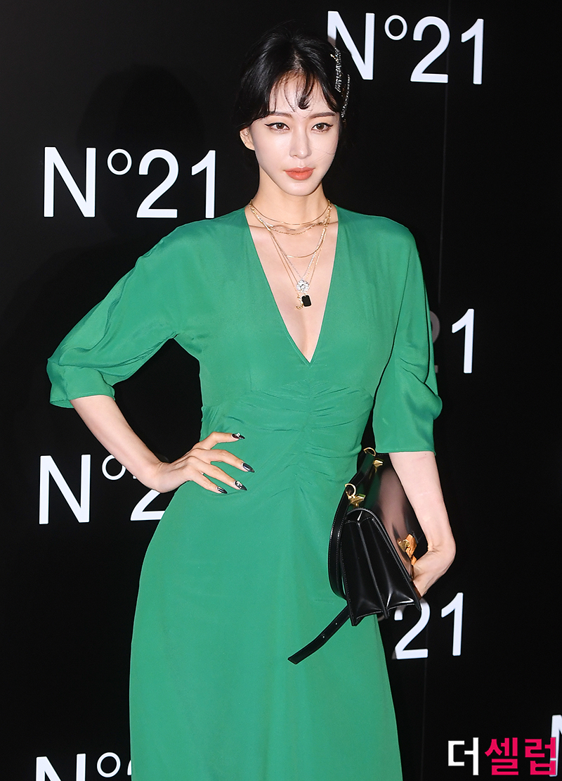 han ye seul green dress 9