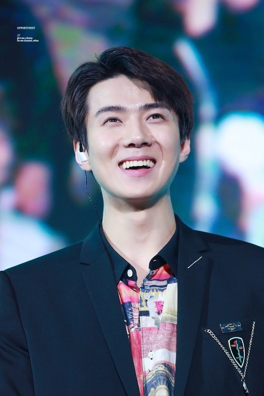 sehun eye smile