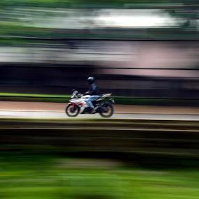 shutter Speed workouts : Bike... by Vinod Rajan - Transportation Motorcycles ( cars, car, road, shutter, roads, shutterholic, transportation,  )