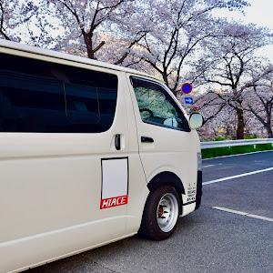 ハイエースバン TRH200V SUPER GL 2018年式のカスタム事例画像 keiji@黒バンパー愛好会さんの2019年04月05日08:26の投稿
