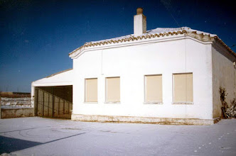 Photo: 2001 - Las escuelas - © Rubén Asín Abió