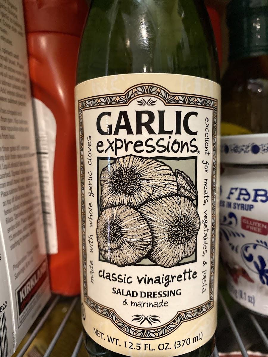 Garlic Vinaigrette Salad Dressing