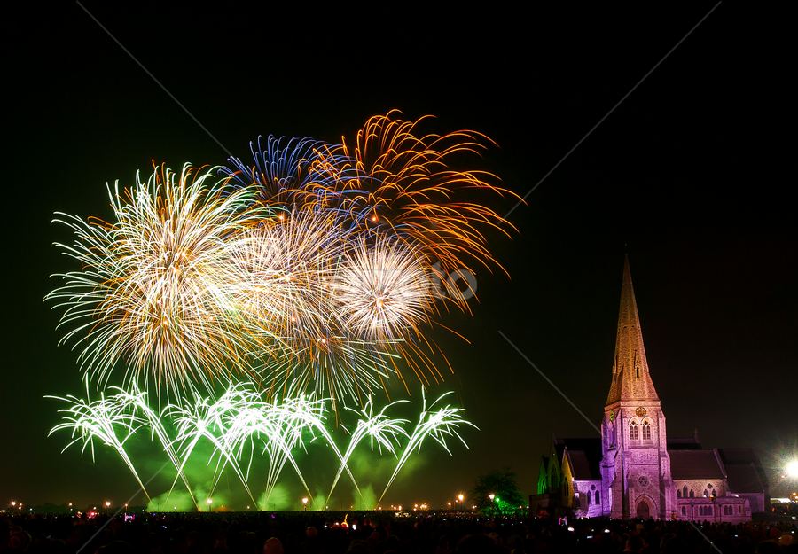 The last stance by Paschalis Angelopoulos - Abstract Fire & Fireworks ( bonfire night, guy fawkes night, pwcfireworks, all saints, fireworks, blackheath common, blackheath park )