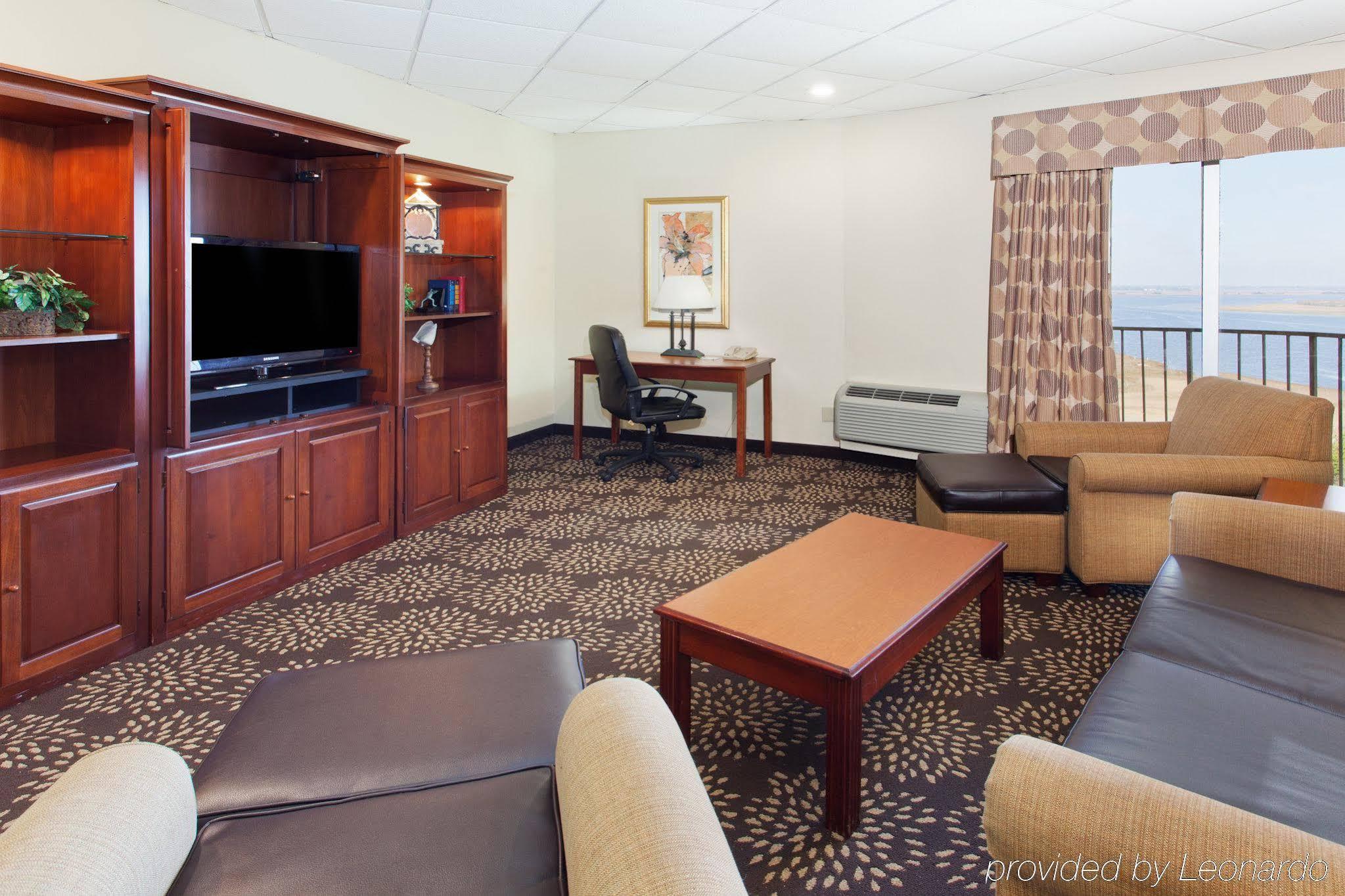 Holiday Inn Charleston Riverview