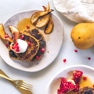 PUMPKIN SPICE PANCAKES WITH MAPLE CARAMELIZED PEARS (GLUTEN-FREE)..