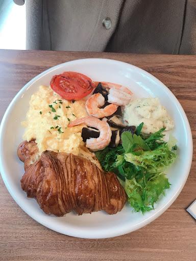 乾淨簡潔的早午餐聽 食材天然、色香味俱全