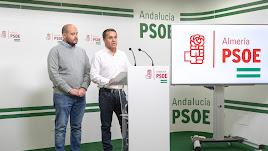 Antonio Martínez y Domingo Crisol, durante la rueda de prensa de este lunes.