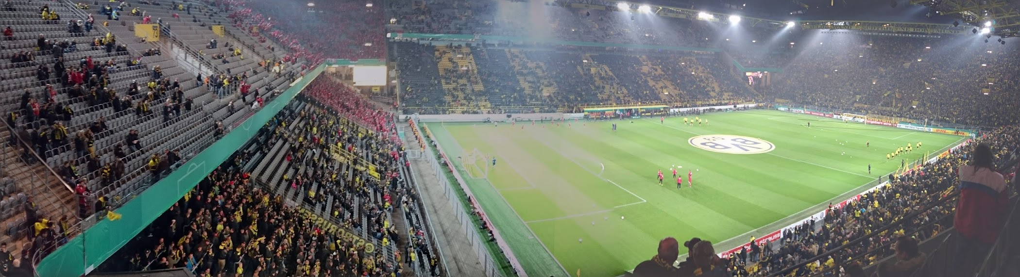 Borussia Dortmund Union Berlin Block 65 Signal Iduna Park BVB Panorama