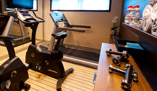 Avalon Affinity amenities include a fitness room, complimentary wi-fi and movie nights.