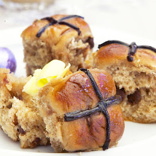 Mini Chocolate Chip Hot Cross Buns