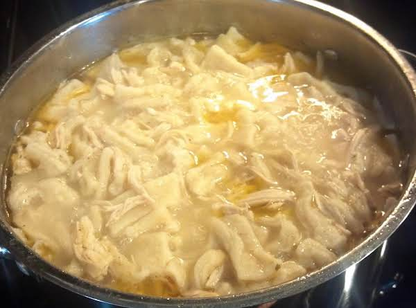 Old Fashioned Homemade Chicken & Dumplings