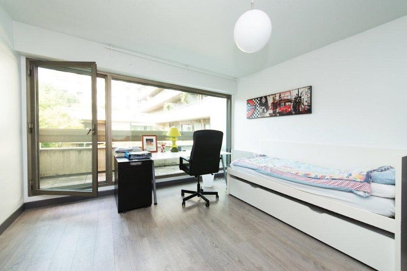 Office space at Champs Elysee apartment
