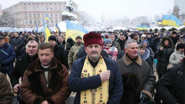 Віряни на Софійській площі під час собору