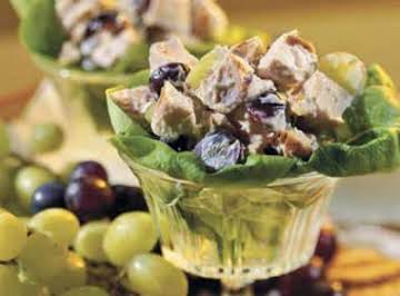 Chicken Salad with Grapes an Pecans