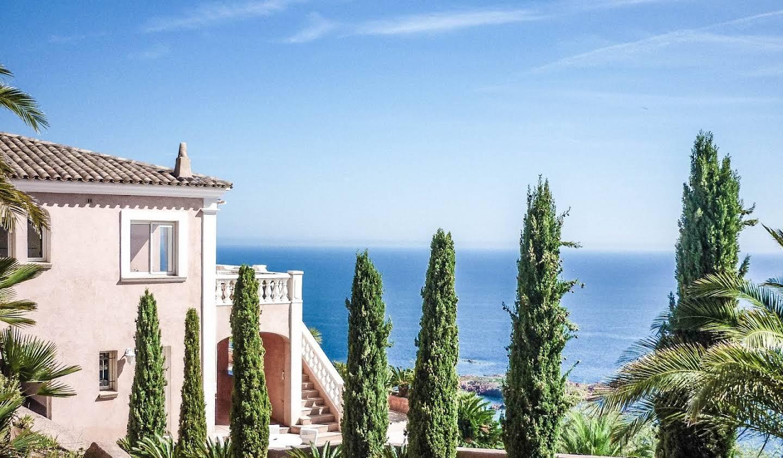 Villa avec piscine et terrasse Antheor