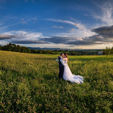 Wedding photographer Lukáš Zabystrzan (LukasZabystrz). Photo of 06.08.2017