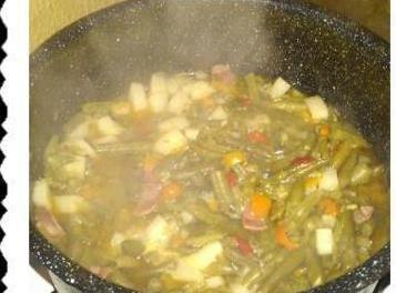 Felicia's Famous String Beans An Potatoes Recipe