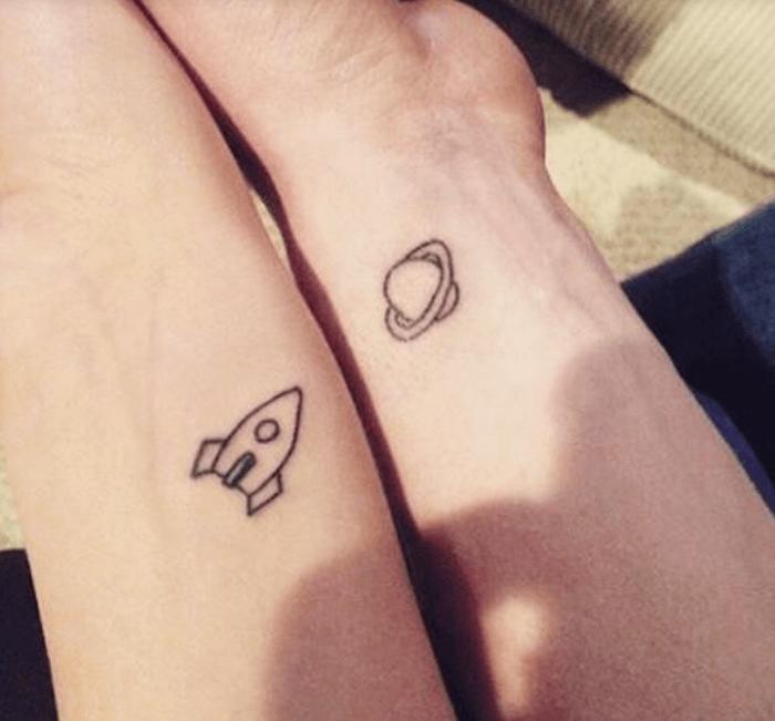 tatuaje-pareja-planeta.png