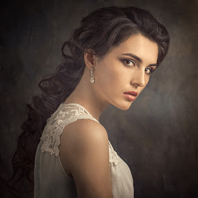 Lena by Дмитрий Баев - People Portraits of Women ( girl, beautiful, hair, portrait, eyes )