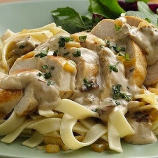 Pasta «Alfredo» with chicken.