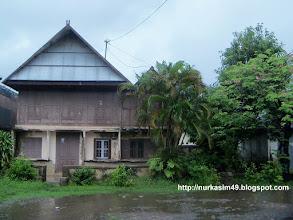 Photo: Rumah Andi Pangerang Petta Rani (Gubernur Militer Propinsi Sulawesi, 1956-1960),terletak di Jongaya, Makassar, Indonesia. Rumah ini dibangun tahun 1930 dan dibeli oleh Andi Pangerang Petta Rani tahun 1934 dari H.Bimbi. http://nurkasim49.blogspot.com/2011/12/v.html