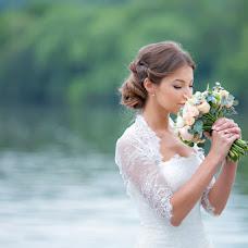 Wedding photographer Elena Drozdova (Luckyhelen). Photo of 15.04.2014