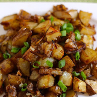 Easy Oven Roasted Potatoes - A simple side dish to love