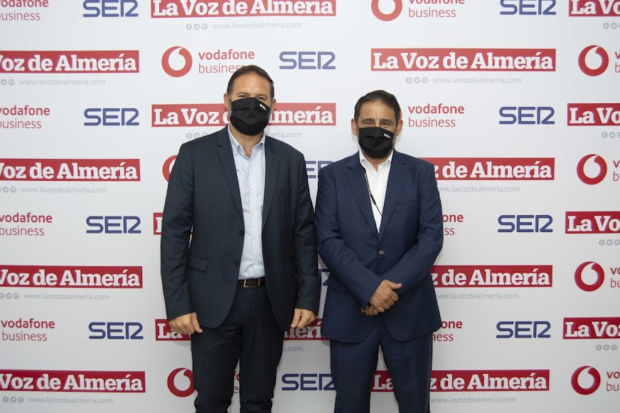 José Nieto Díaz, director de Cajamar; y Emilio Matías Resina, director de zona de Cajamar.