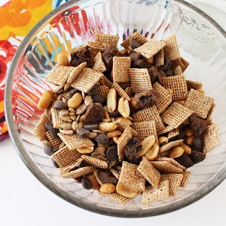 Light Summer Season Cinnamon Trail Mix