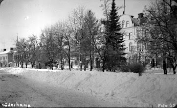 Photo: SÖDERHAMN  -  Soderhamn  how did they plow those streets in 1918?  Were they shoveled?