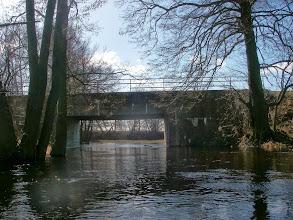 Photo: pod mostem jestem pewny że płyne rzeką