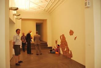 Photo: Deschler Galerie: Patricia Waller Broken Heroes