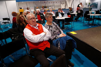 Photo: Sepp Stalder und seine Frau lauschen der Sexologin!